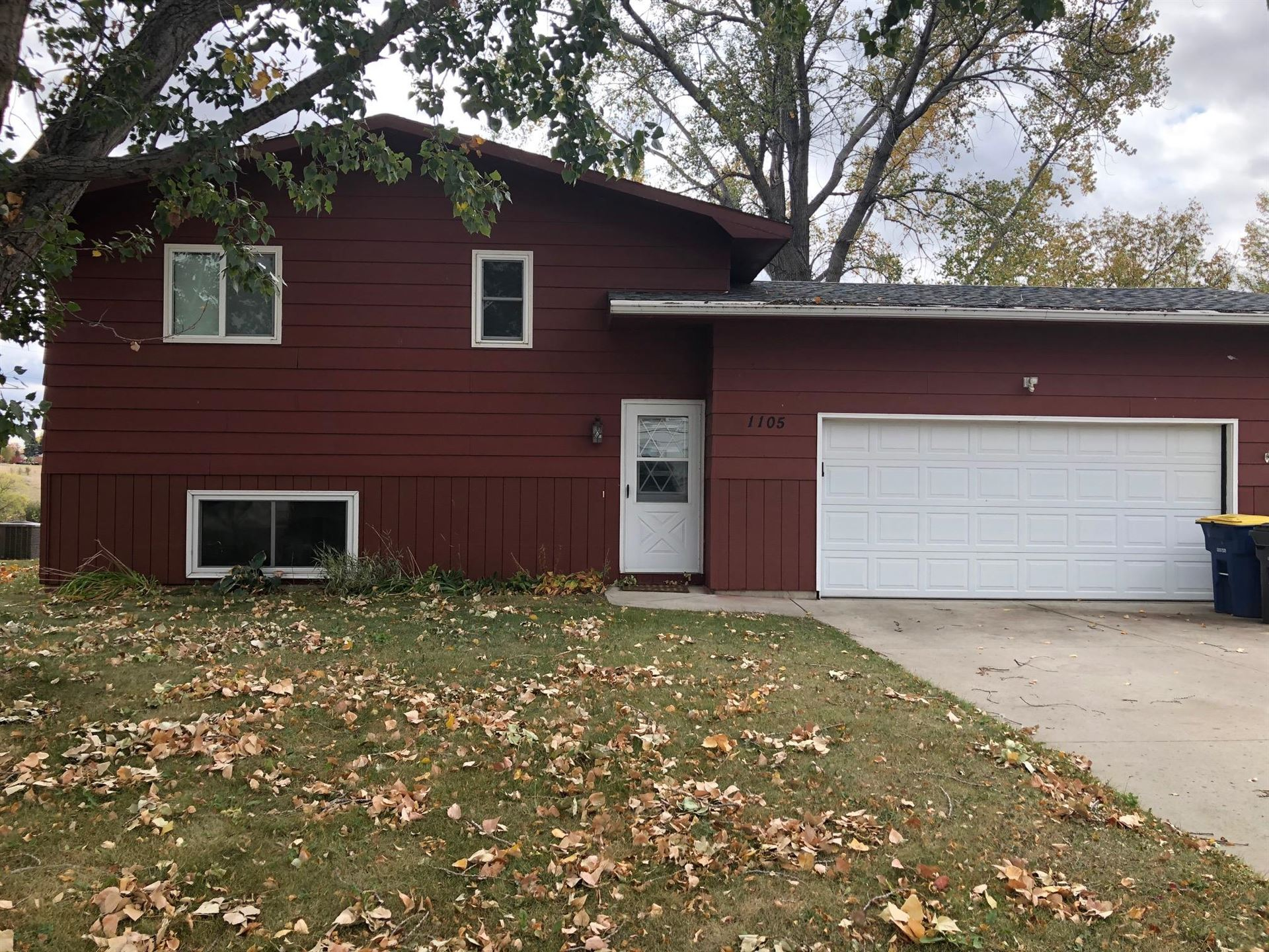 Photo for 1105 9th Street SW, Jamestown, ND 58401 (MLS # 20-549)