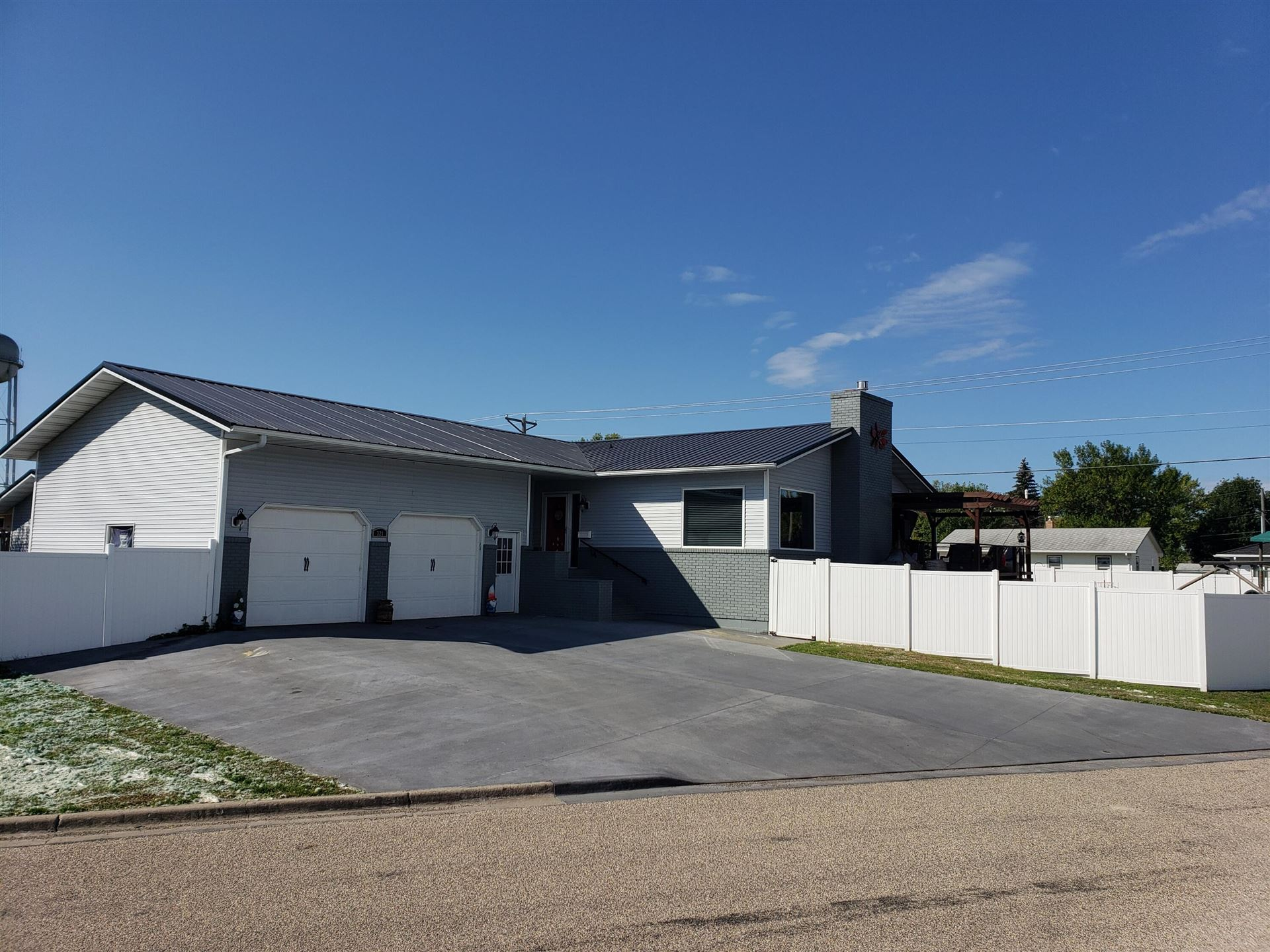 Photo for 321 15th Street SW, Jamestown, ND 58401 (MLS # 20-576)