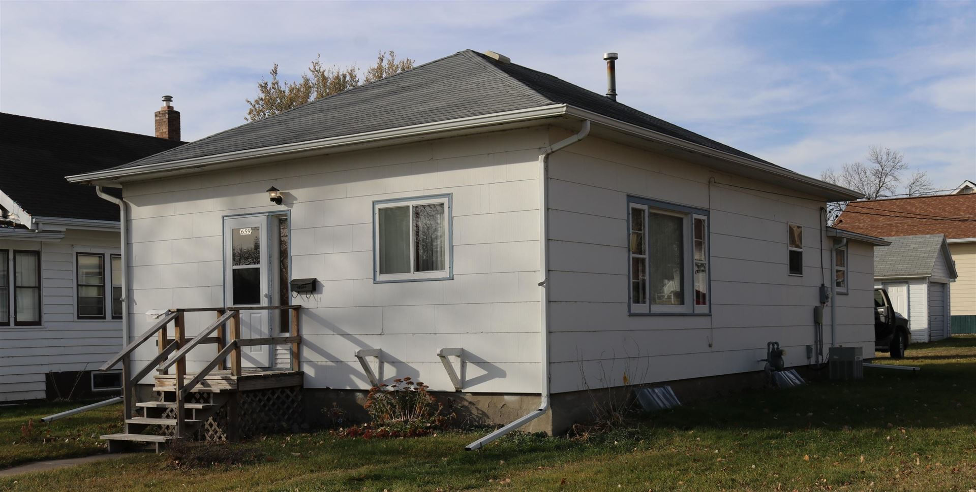 Photo for 659 3rd Avenue NW, Valley City, ND 58072 (MLS # 20-631)