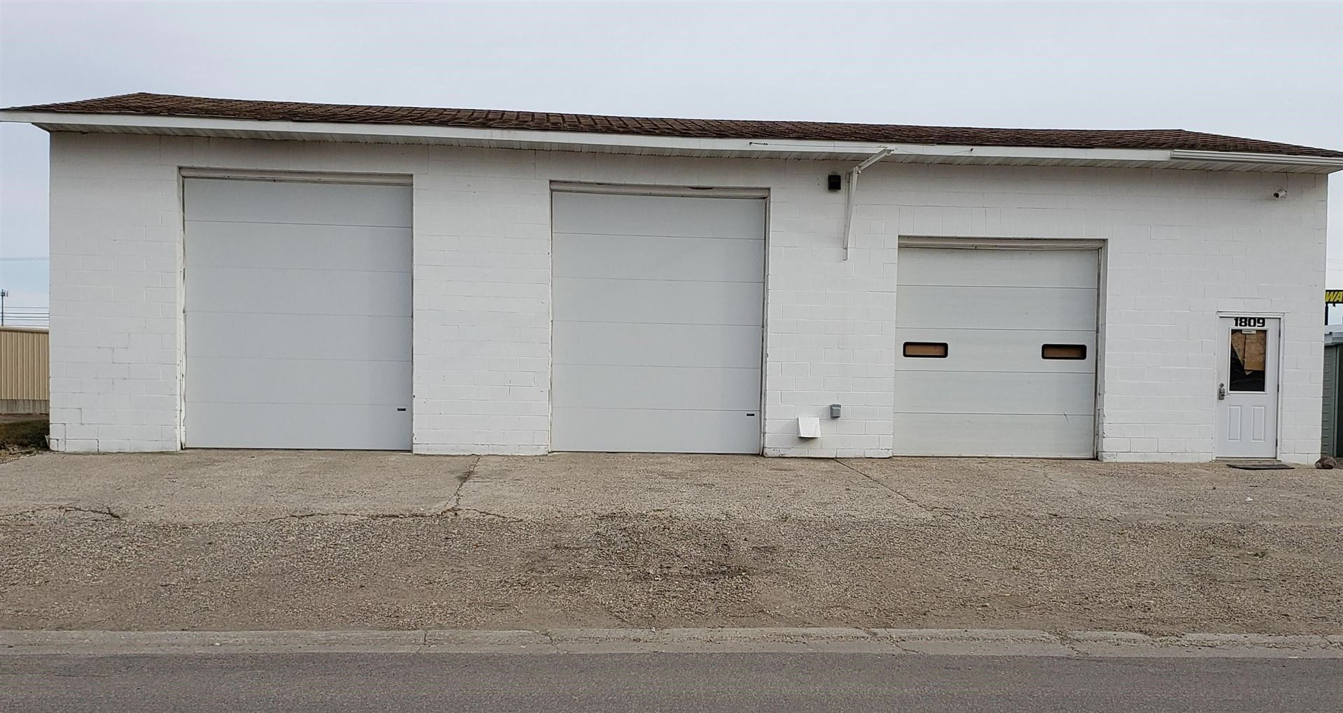 Photo for 1809/1811 9th Avenue SW, Jamestown, ND 58401 (MLS # 20-635)