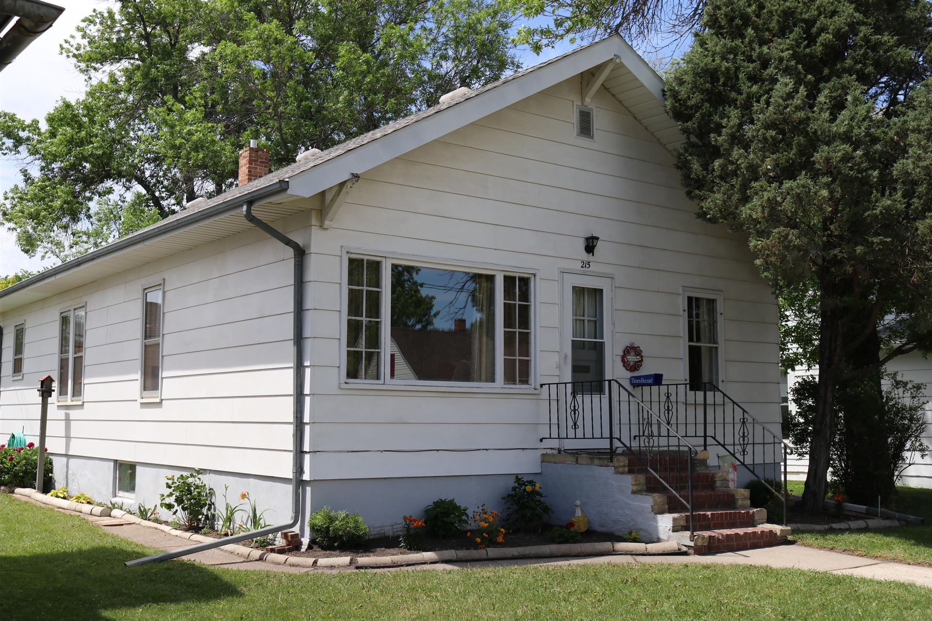 Photo for 215 5th Avenue NW, Valley City, ND 58072 (MLS # 20-640)