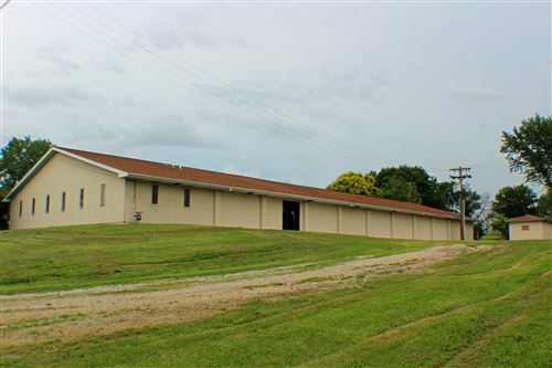 Photo of 1302 HIGHWAY 65 N, Carrollton, MO 64633 (MLS # 10056191)