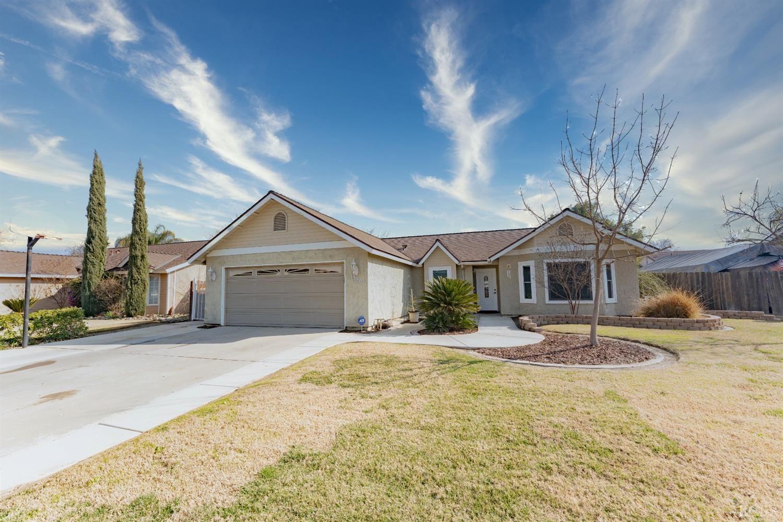 1350 Pine Drive, Lemoore, CA 93245 - MLS#: 221337