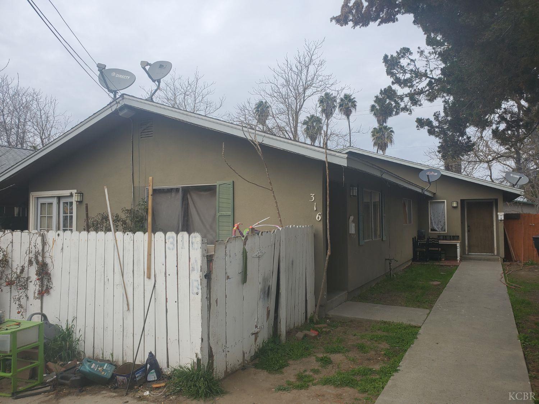 316 E Myrtle Street, Hanford, CA 93230 - MLS#: 221465