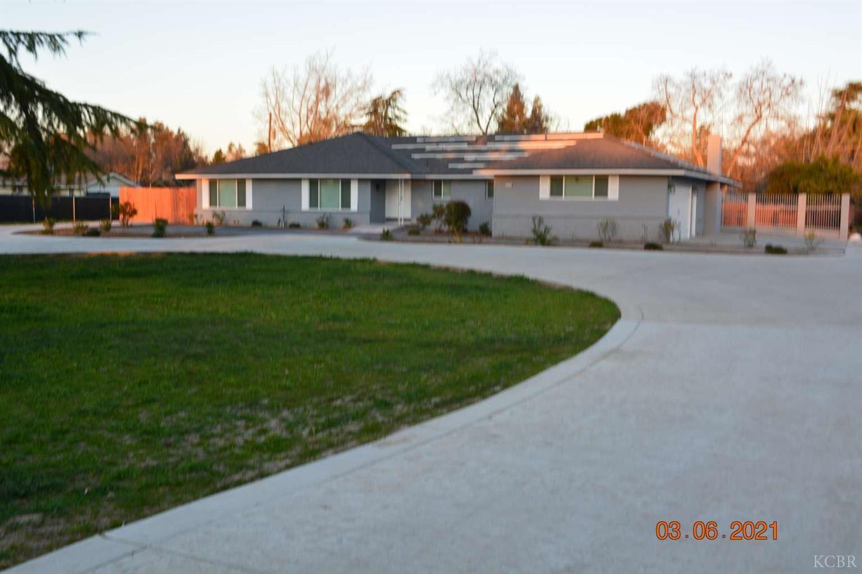 830 Palmer Circle, Lemoore, CA 93245 - MLS#: 221817