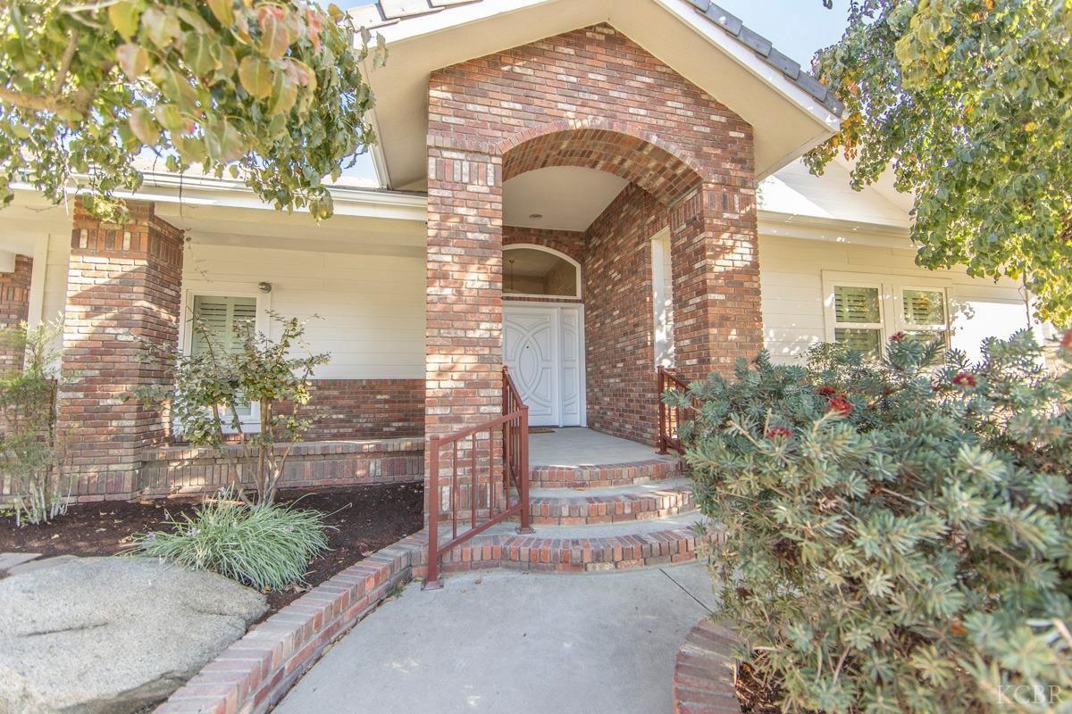 1366 Mission Drive, Lemoore, CA 93245 - MLS#: 220940