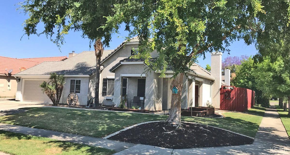 1704 Fortress Way, Lemoore, CA 93245 - MLS#: 221954