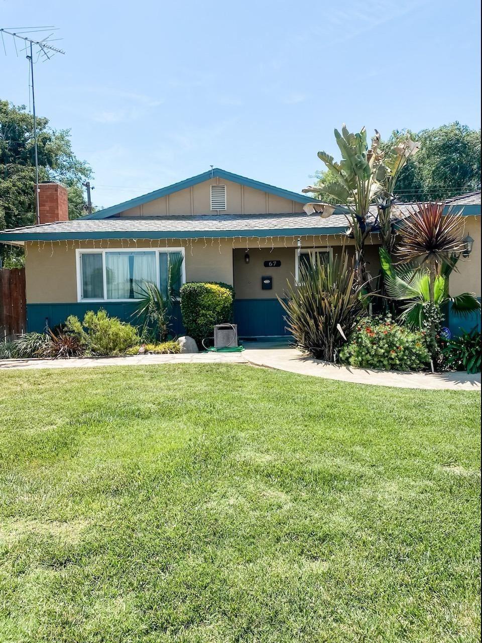 67 W Spruce Avenue, Lemoore, CA 93245 - MLS#: 221970