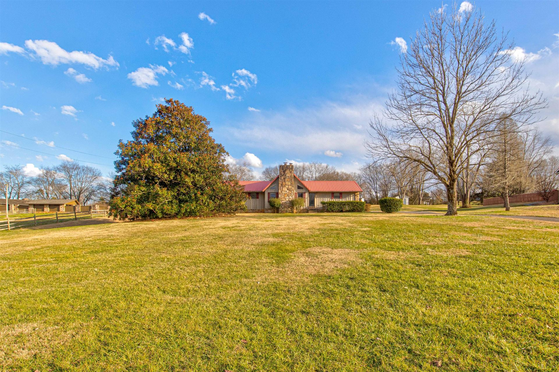 Photo of 3525 Peppermint Hills Drive, Maryville, TN 37804 (MLS # 1140008)