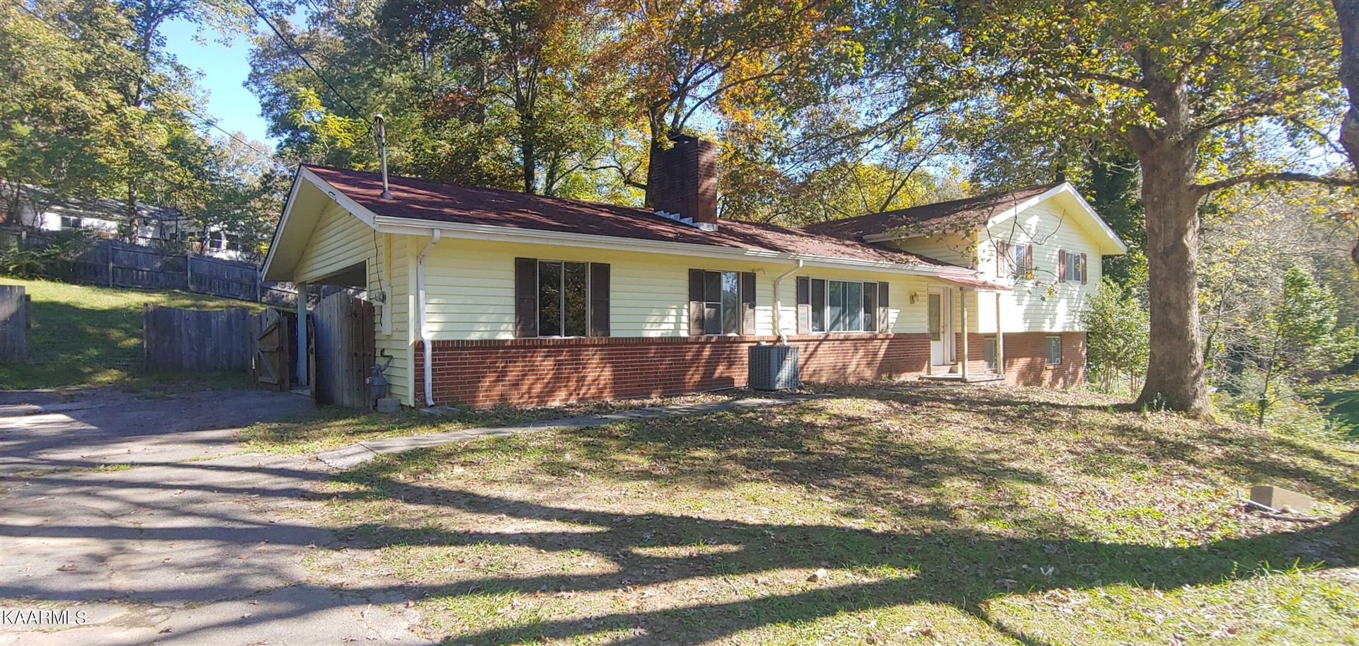 Photo of 126 Miramar Circle, Oak Ridge, TN 37830 (MLS # 1171011)