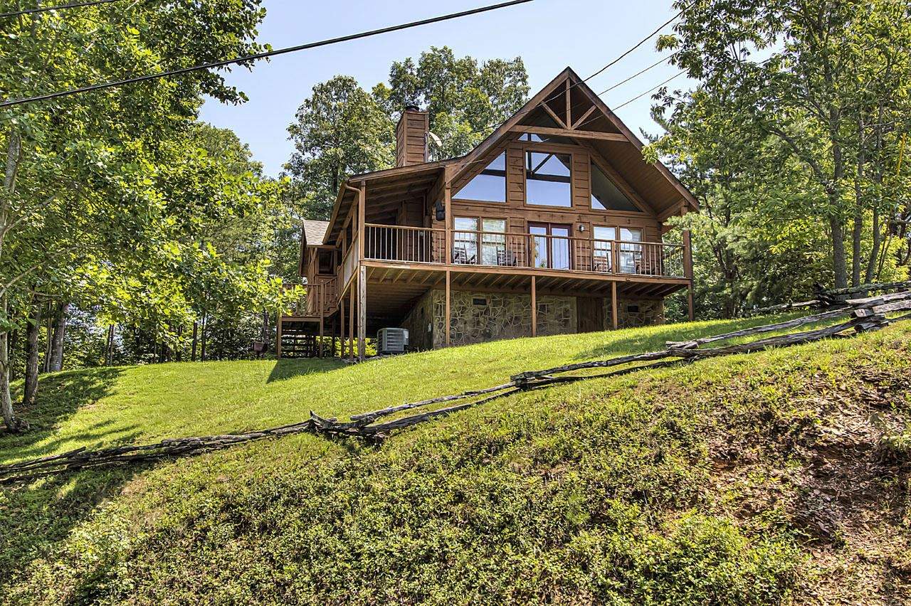 Photo of 3615 Country Pines Way, Sevierville, TN 37876 (MLS # 1162013)