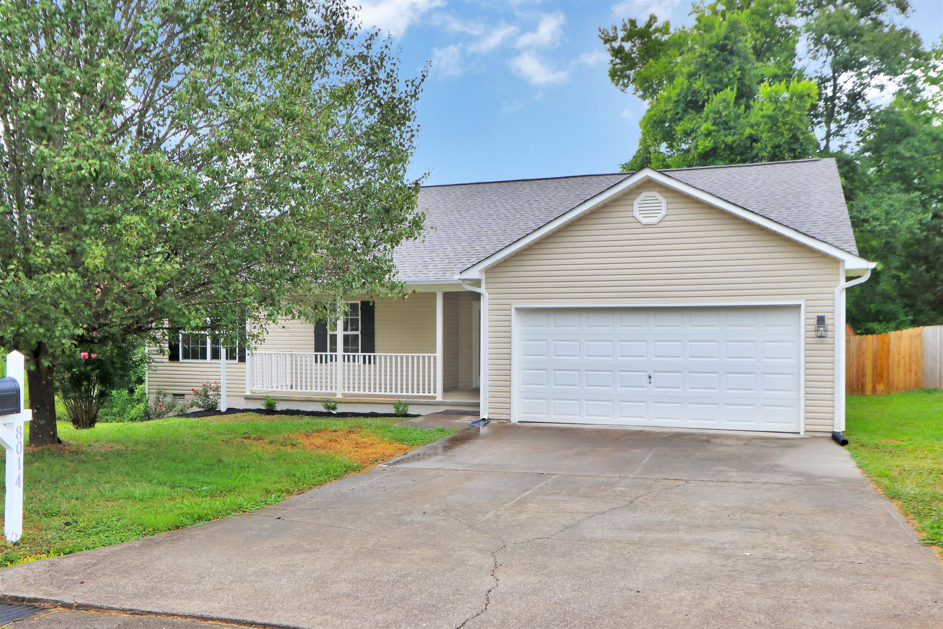 Photo of 8014 Cold Stream Lane, Knoxville, TN 37920 (MLS # 1162026)