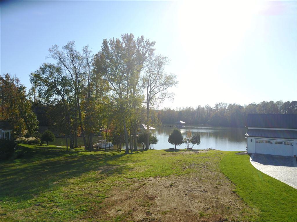 Photo for 105 Grand Harbor Point, Rockwood, TN 37854 (MLS # 1098042)
