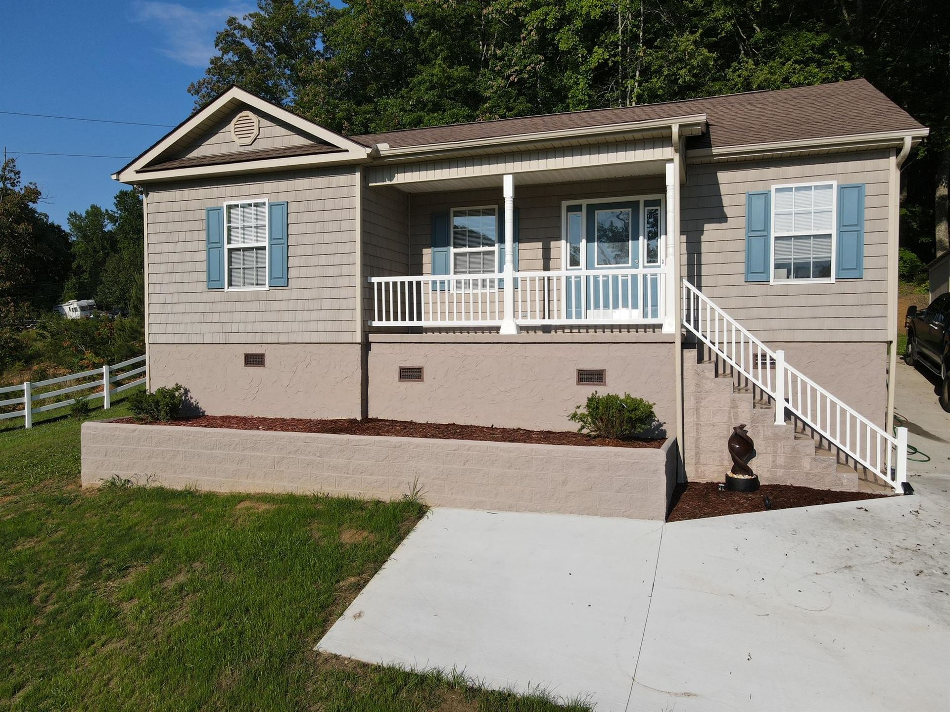 Photo of 2072 White Wing Rd, Lenoir City, TN 37771 (MLS # 1157049)