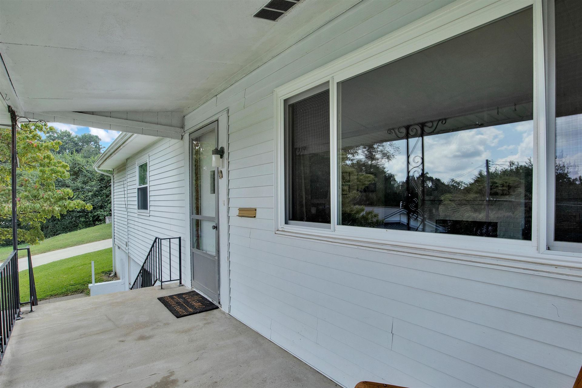 Photo of 102 Kimball Lane, Oak Ridge, TN 37830 (MLS # 1167049)