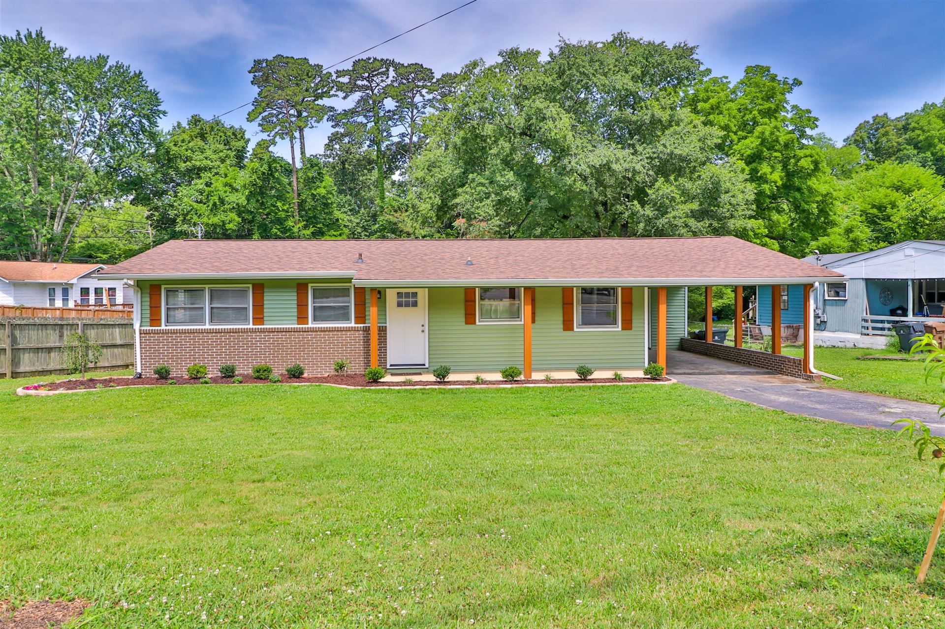 Photo of 3005 Hazelwood Rd, Knoxville, TN 37921 (MLS # 1122050)
