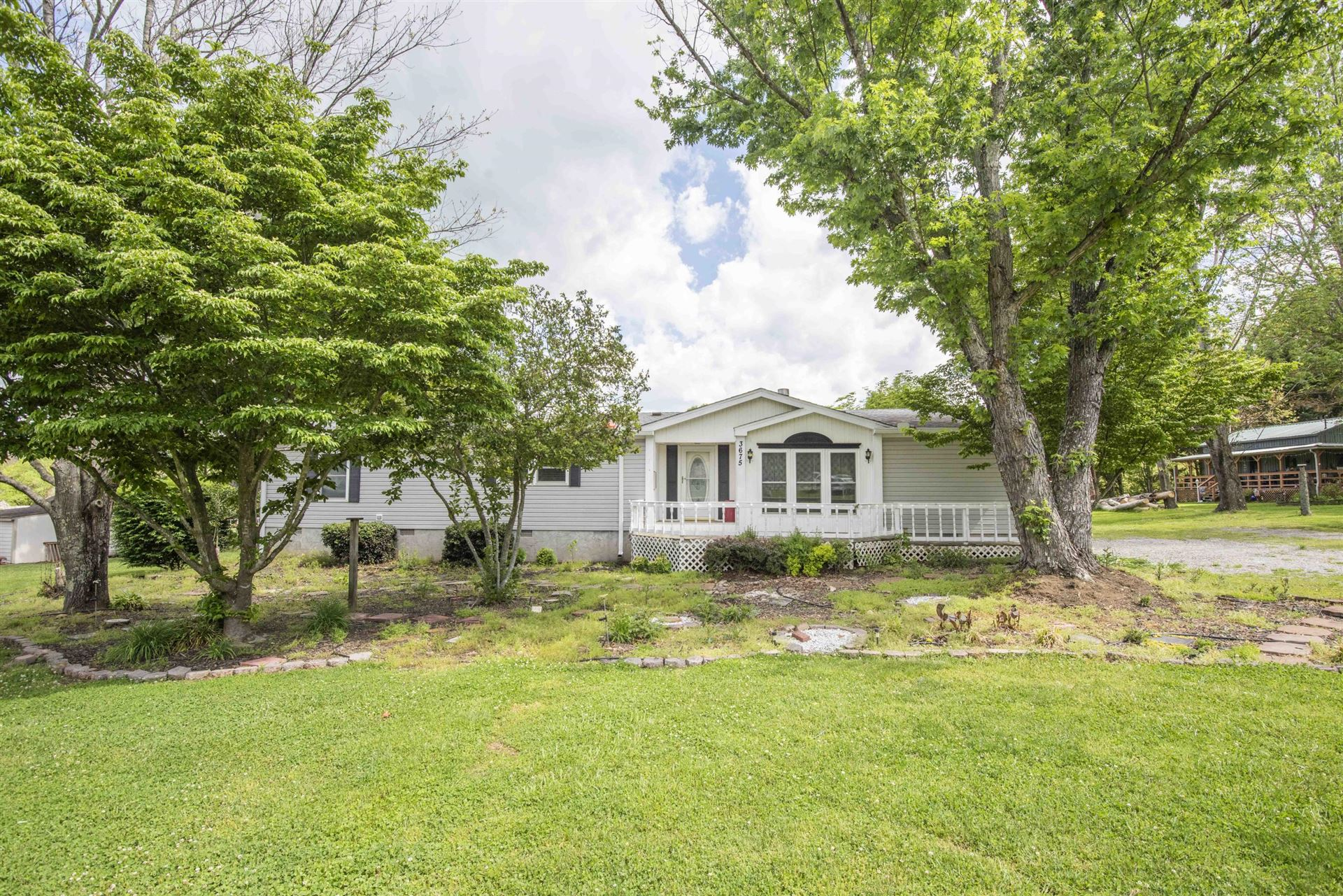 Photo of 3675 Valley View Rd, Sevierville, TN 37862 (MLS # 1152075)