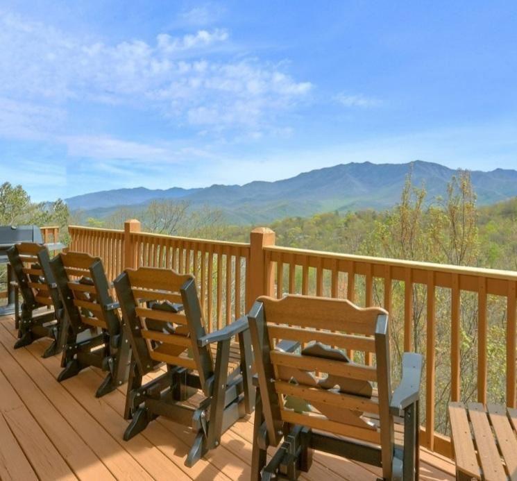 Photo of 1173 Ski View Drive, Gatlinburg, TN 37738 (MLS # 1147096)