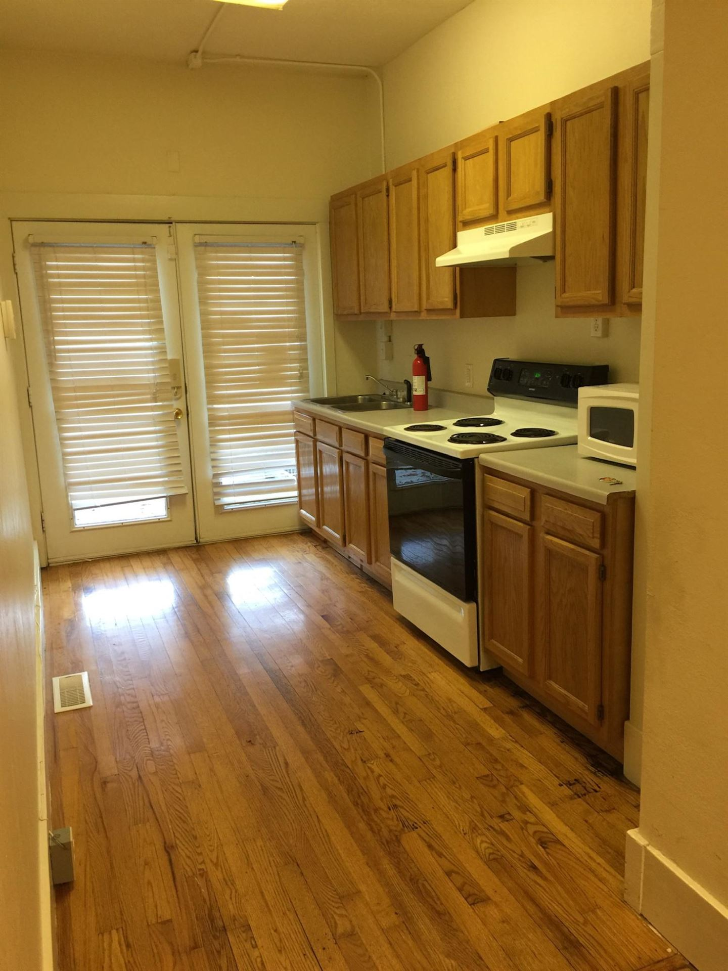 Photo of 1006 NE Thompson Place, Knoxville, TN 37917 (MLS # 1140097)