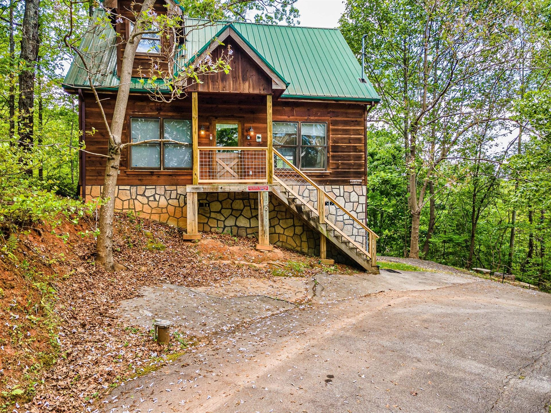 Photo of 1834 Beach Front Drive, Sevierville, TN 37876 (MLS # 1153099)