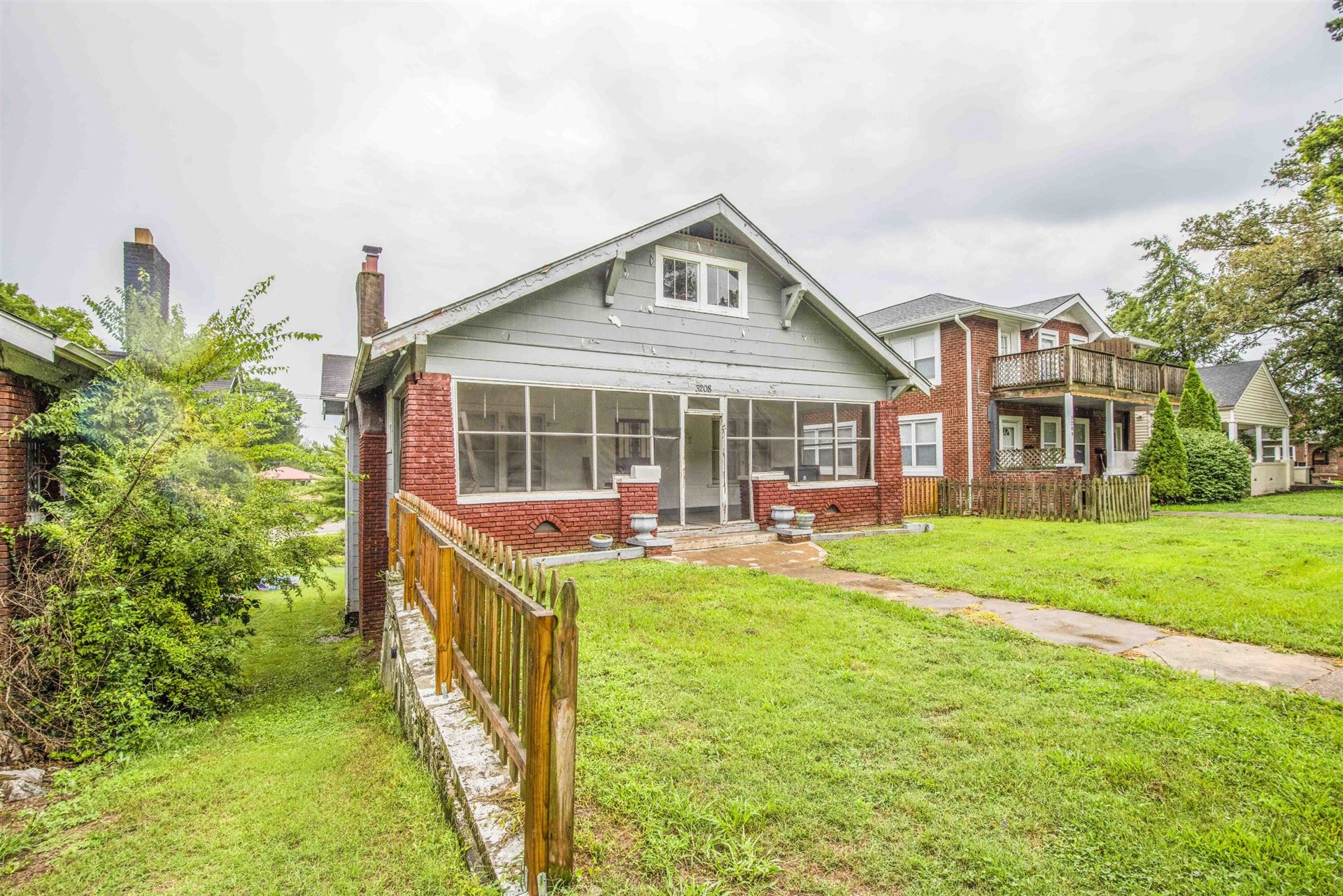 Photo of 3208 E 5th Avenue Ave, Knoxville, TN 37914 (MLS # 1166110)