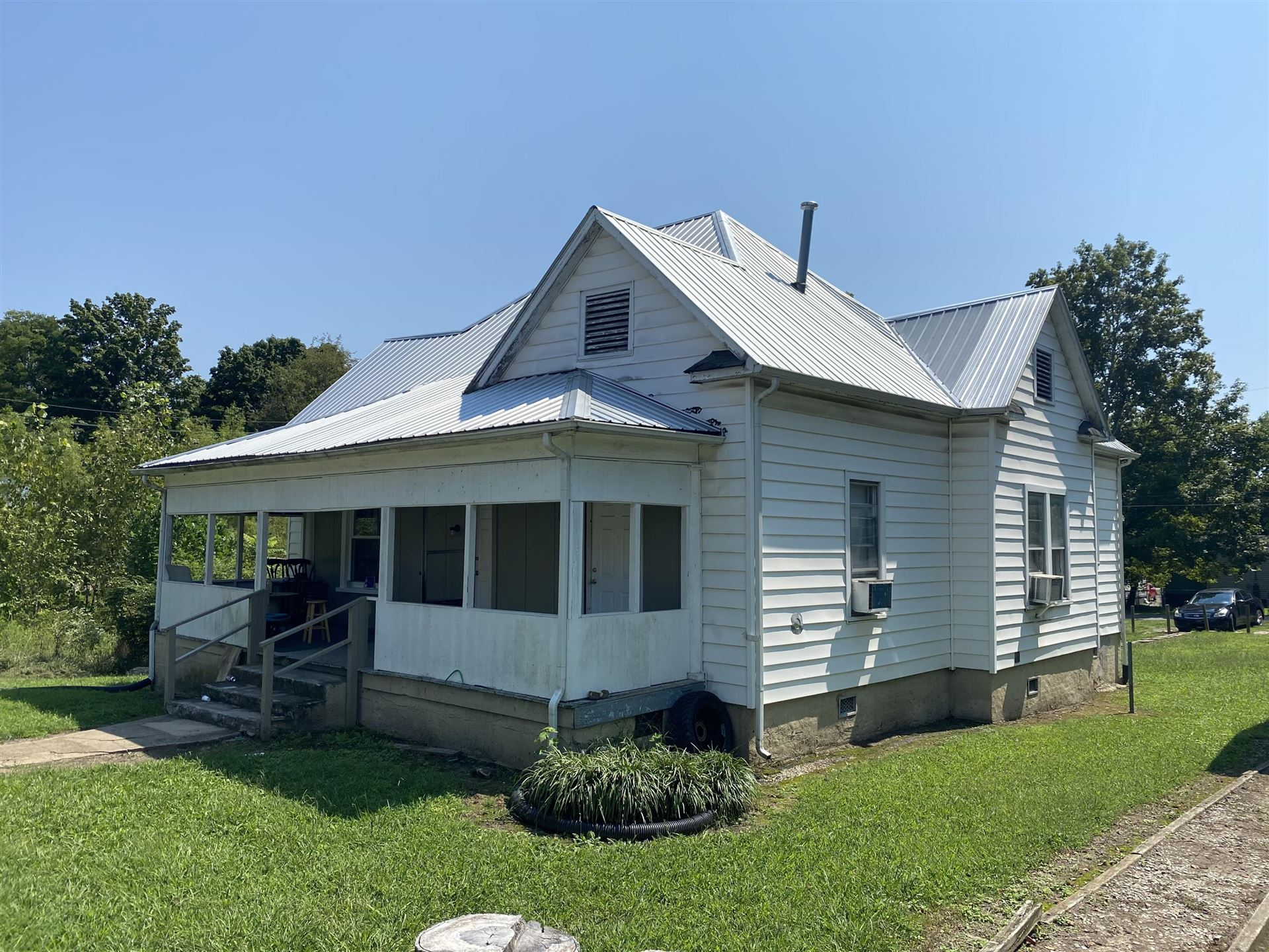 Photo of 620 Banks Ave, Knoxville, TN 37917 (MLS # 1140114)
