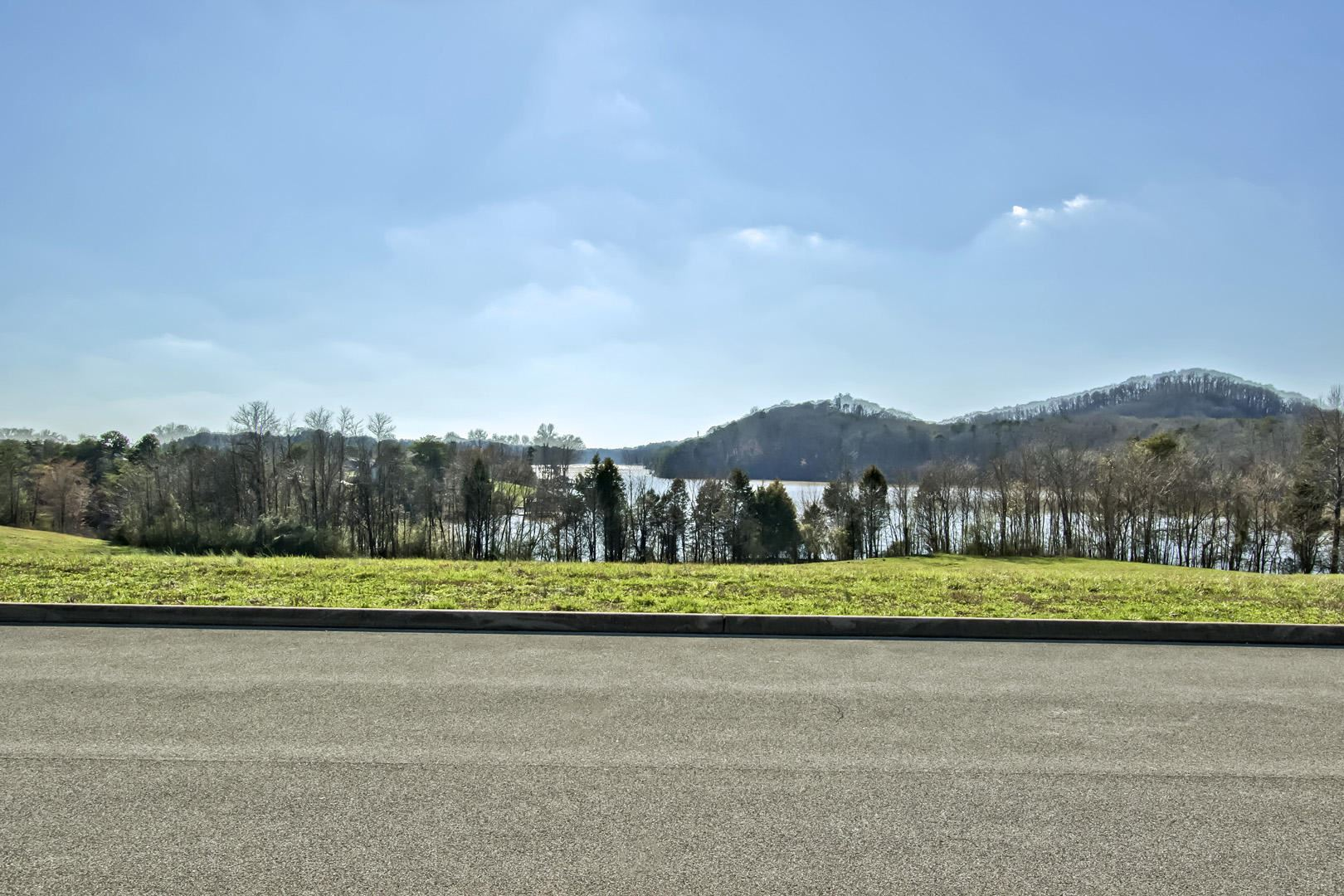 Photo for 199 Bay Pointe Rd, Vonore, TN 37885 (MLS # 1107116)