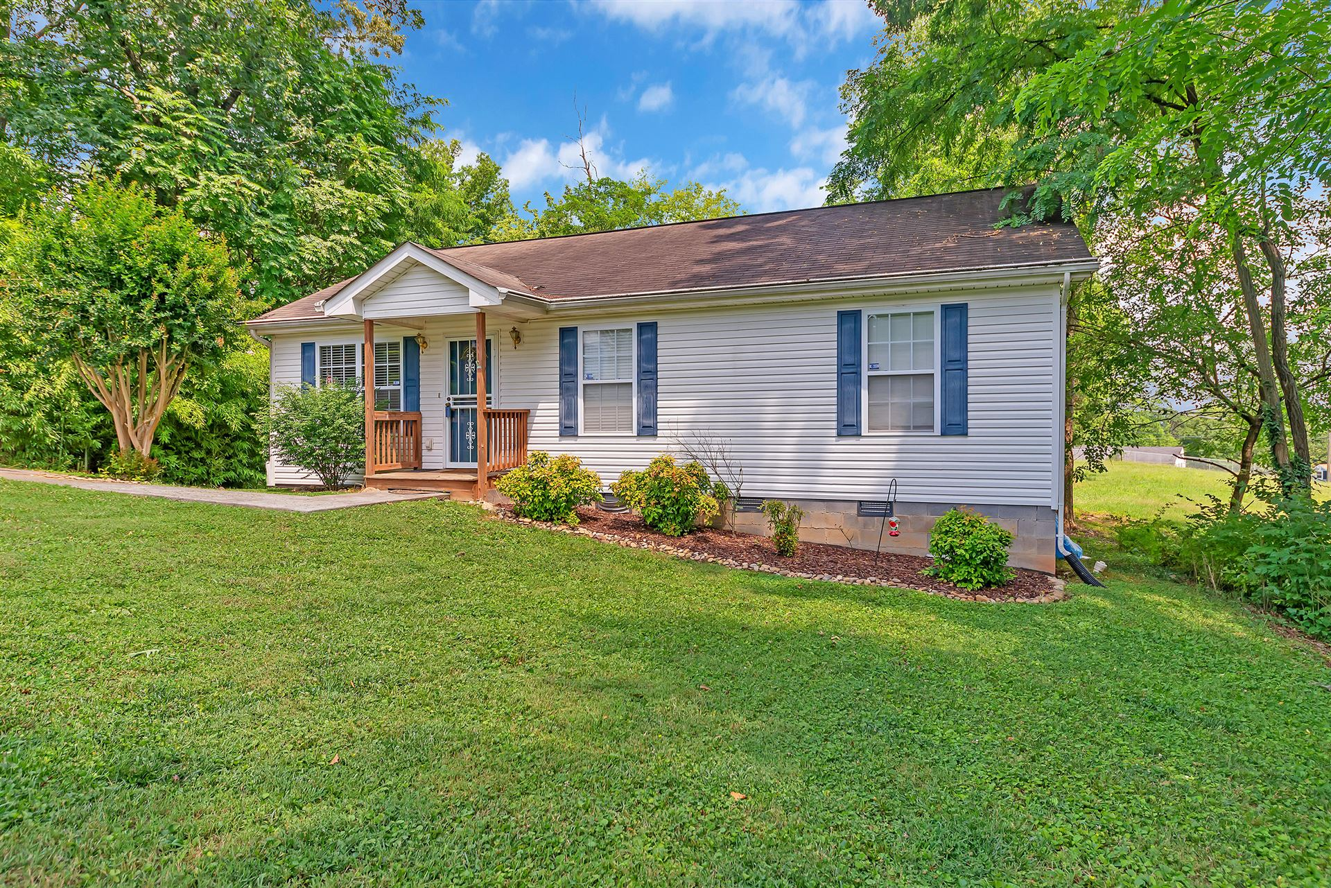 Photo of 4448 Tynemouth Drive, Knoxville, TN 37914 (MLS # 1122120)
