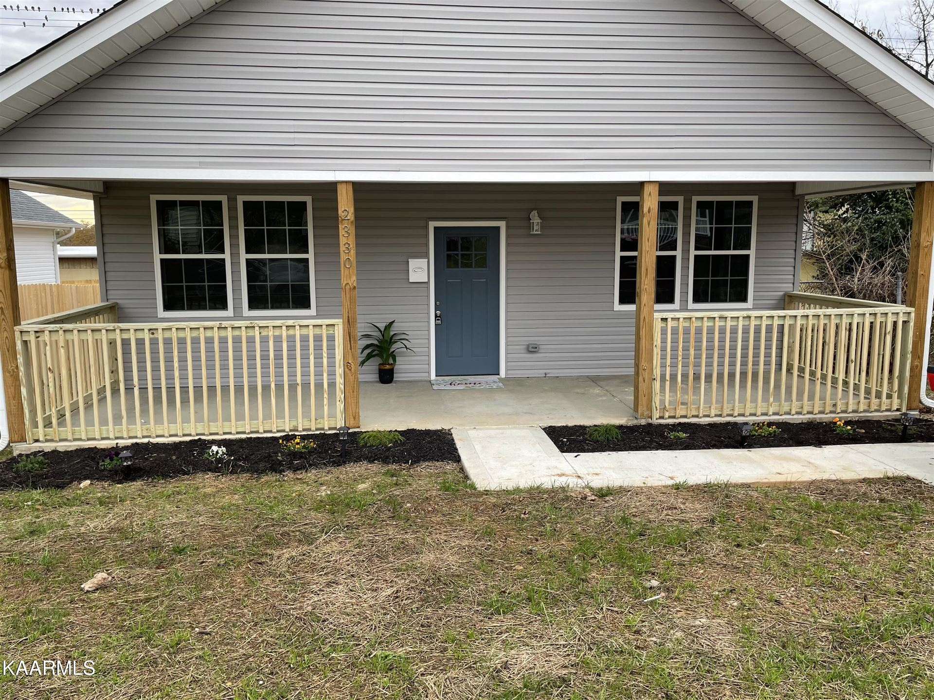 Photo of 2330 Parkview Ave, Knoxville, TN 37917 (MLS # 1165126)