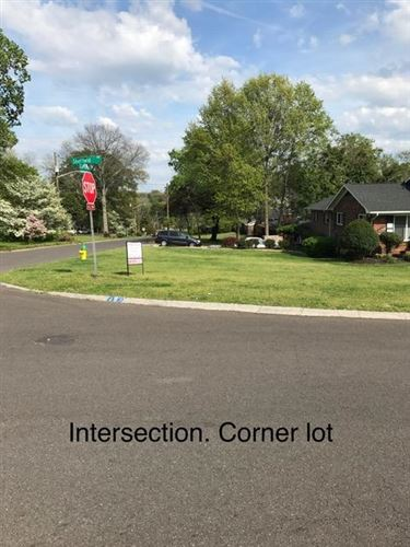 Photo of 7905 Sheffield Drive, Knoxville, TN 37909 (MLS # 1153128)