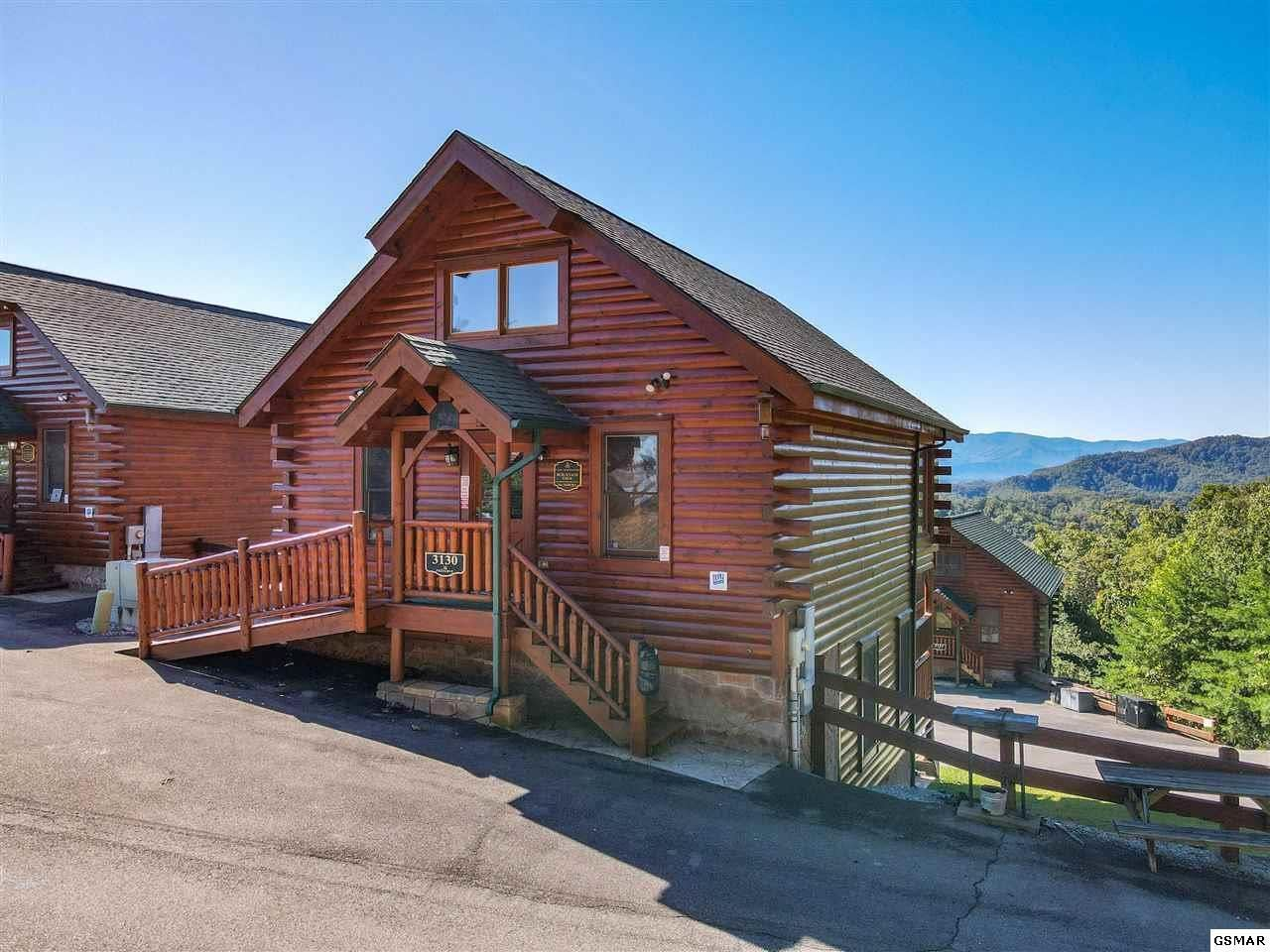 Photo of 3130 Lakeview Lodge Drive, Sevierville, TN 37862 (MLS # 1133134)