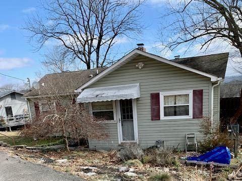 Photo of 105 W Geneva Lane, Oak Ridge, TN 37830 (MLS # 1143134)