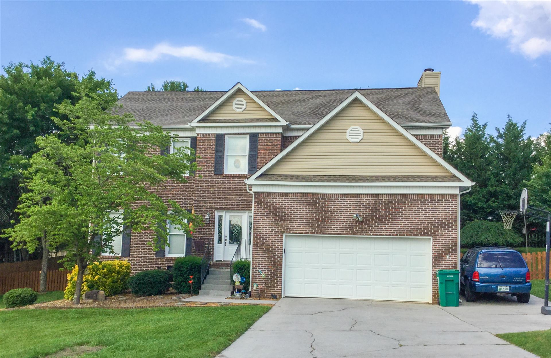 Photo of 1013 Chesapeake Way, Knoxville, TN 37923 (MLS # 1140135)