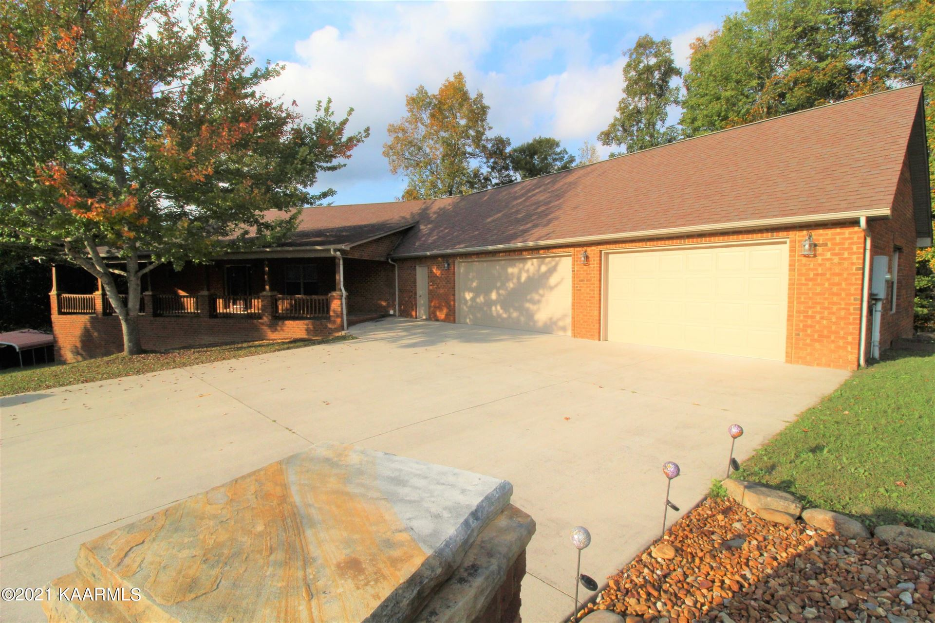 Photo of 169 Catoosa Canyon Drive, Crossville, TN 38571 (MLS # 1162140)