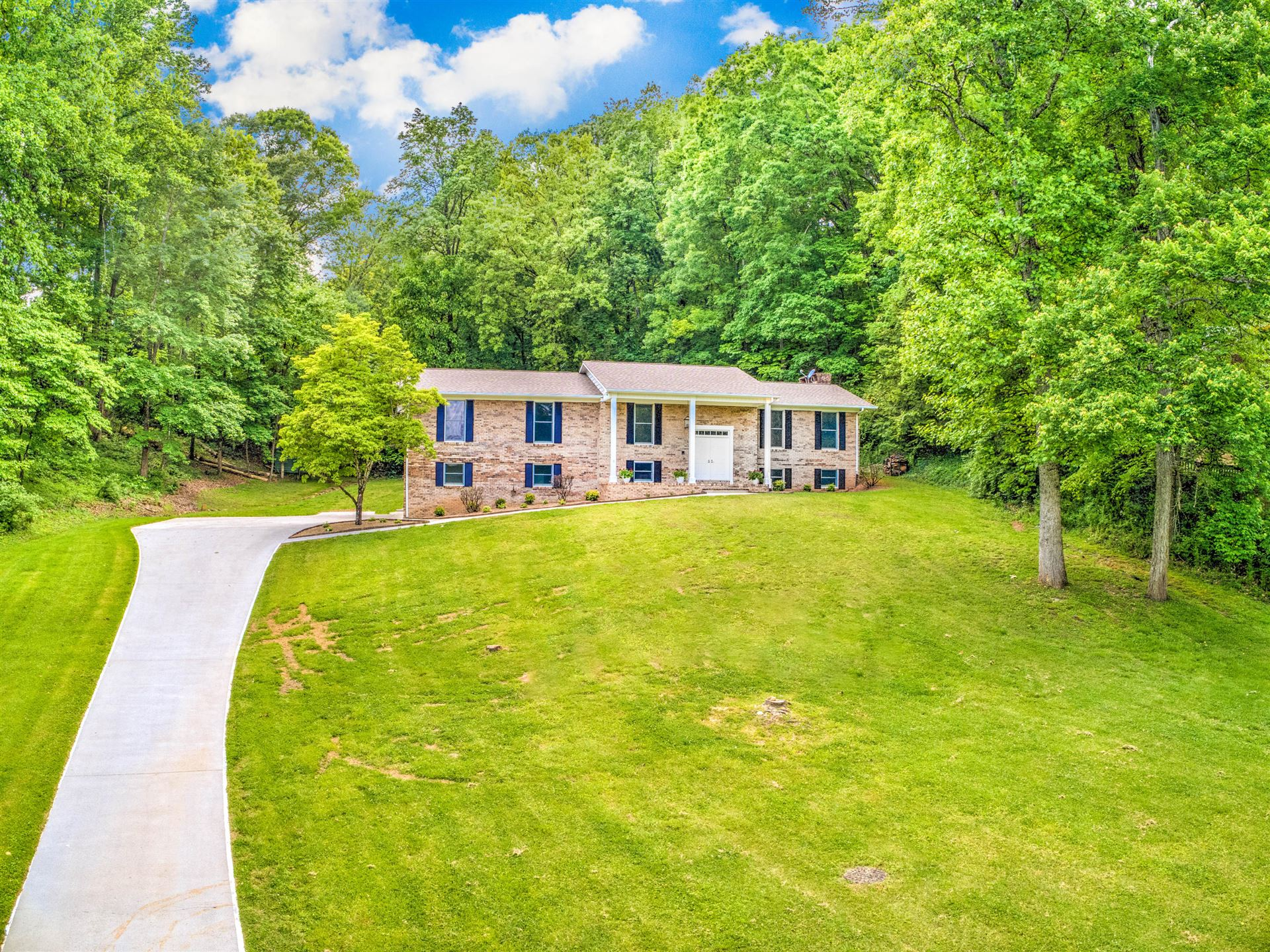 Photo of 133 Amanda Drive Drive, Oak Ridge, TN 37830 (MLS # 1117142)