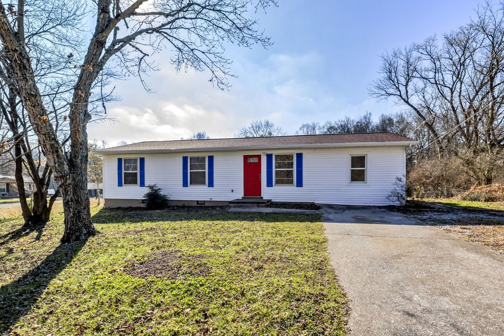 Photo of 2313 Rosann Lane, Knoxville, TN 37918 (MLS # 1140143)