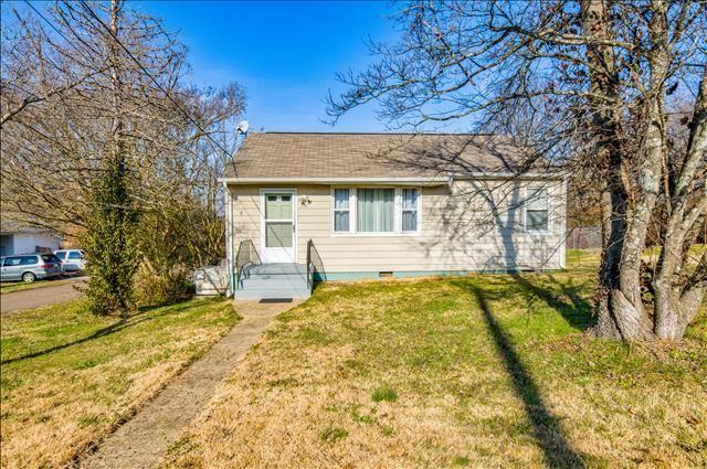Photo of 2101 W Gilbert Lane, Knoxville, TN 37920 (MLS # 1140149)
