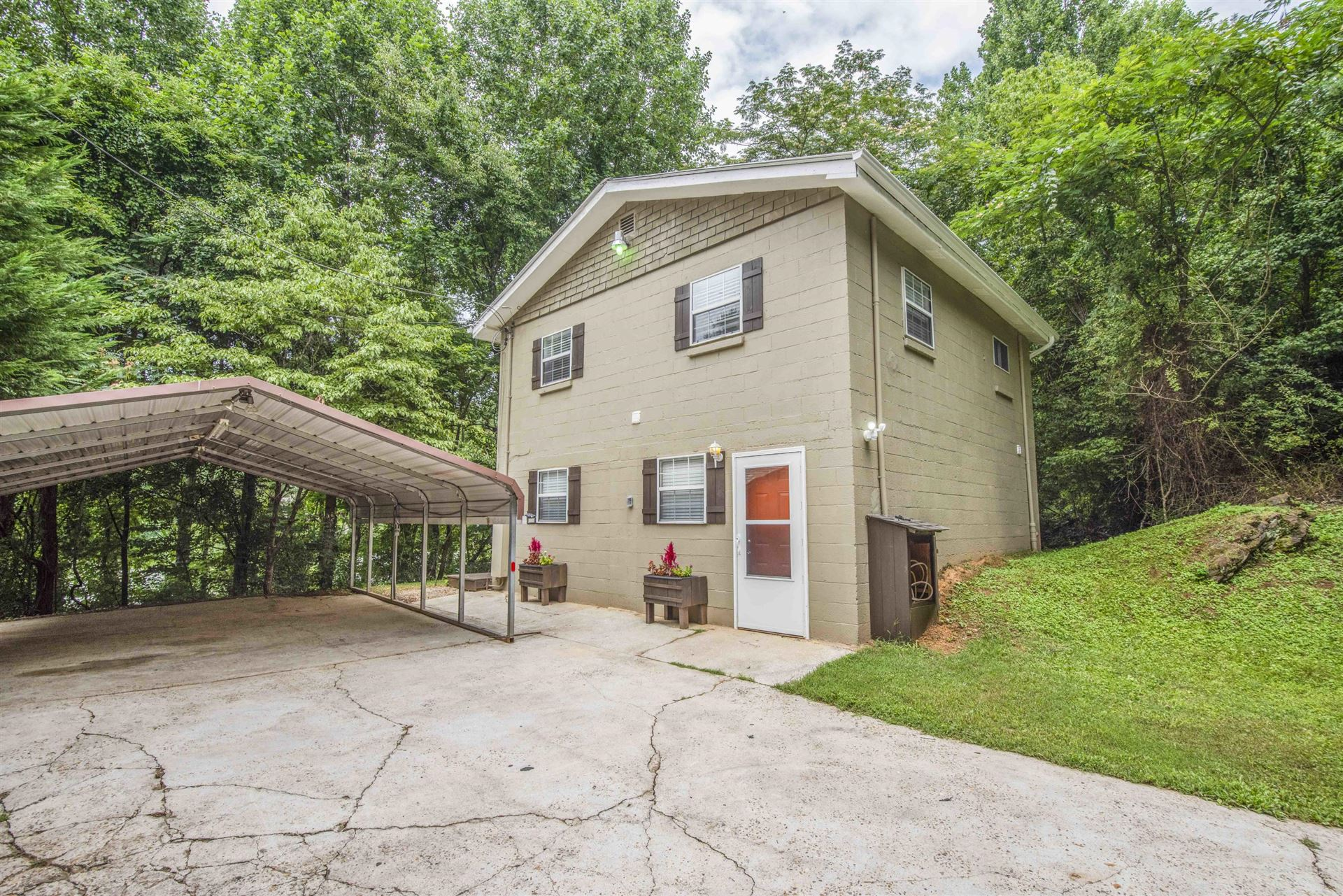 Photo of 4836 W Martin Mill Pike, Knoxville, TN 37920 (MLS # 1161152)