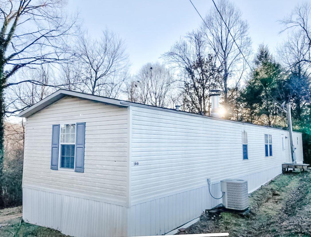 Photo of 166 Hawn Lane, Harriman, TN 37748 (MLS # 1140168)