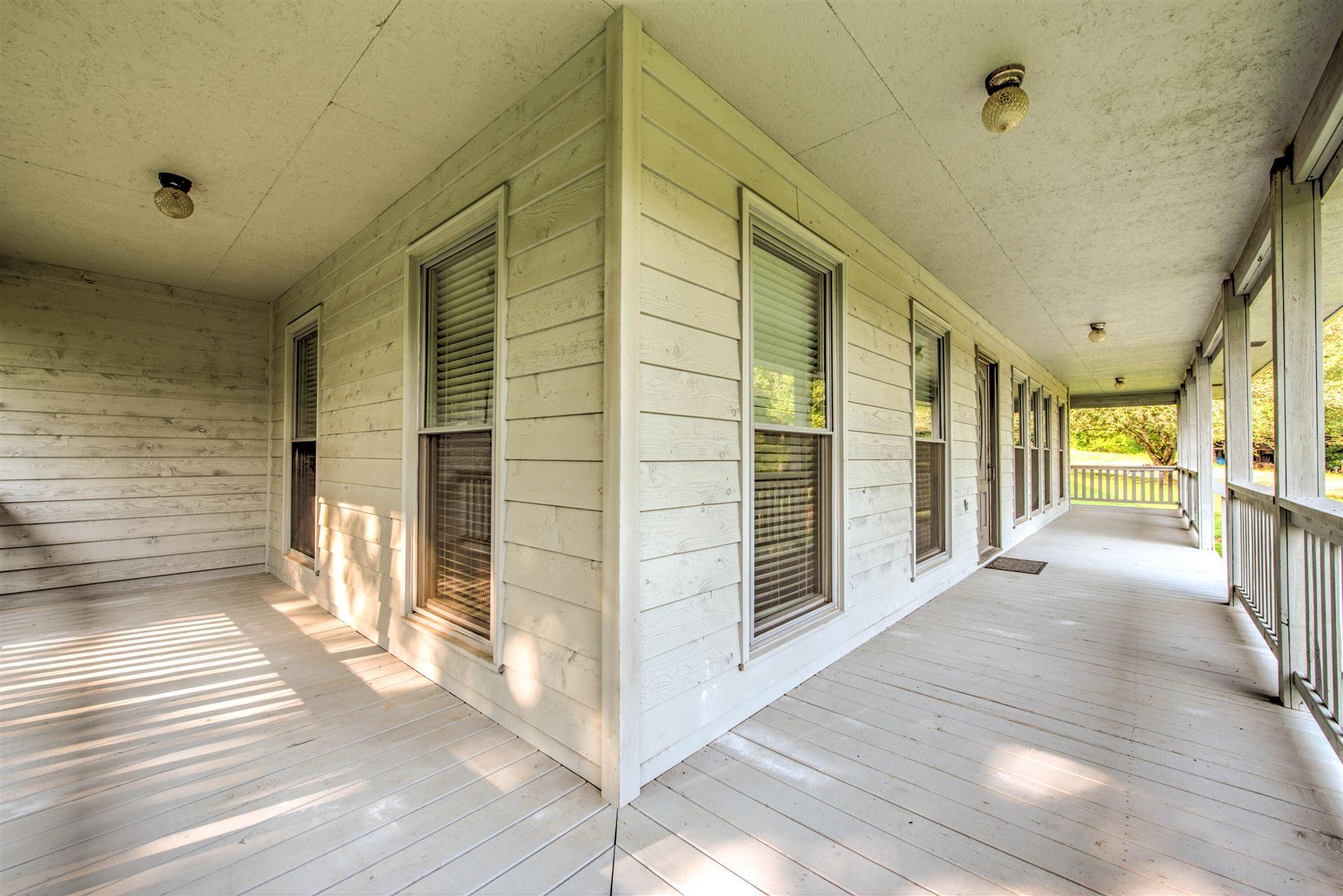 Photo of 813 Blockhouse Valley Rd, Clinton, TN 37716 (MLS # 1161169)