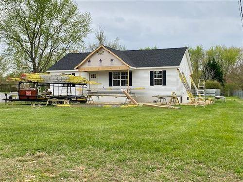 Photo of 110 E Ridge Drive, Crossville, TN 38555 (MLS # 1149171)