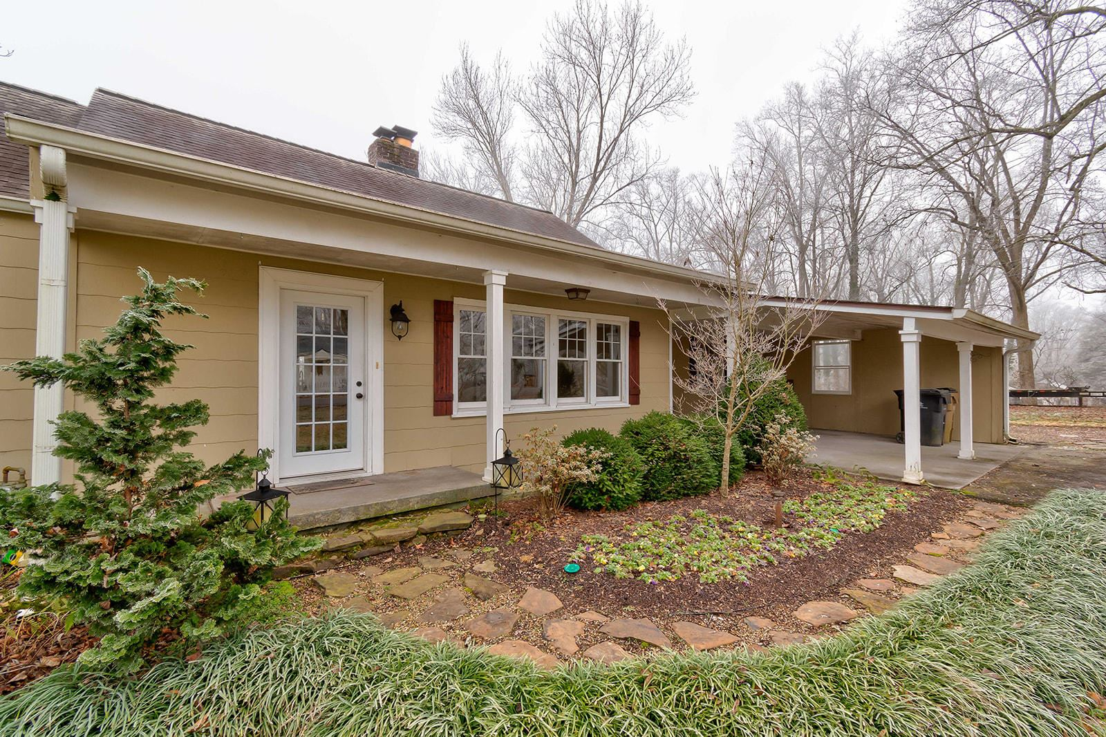 Photo of 202 Mayflower Drive, Knoxville, TN 37920 (MLS # 1140181)