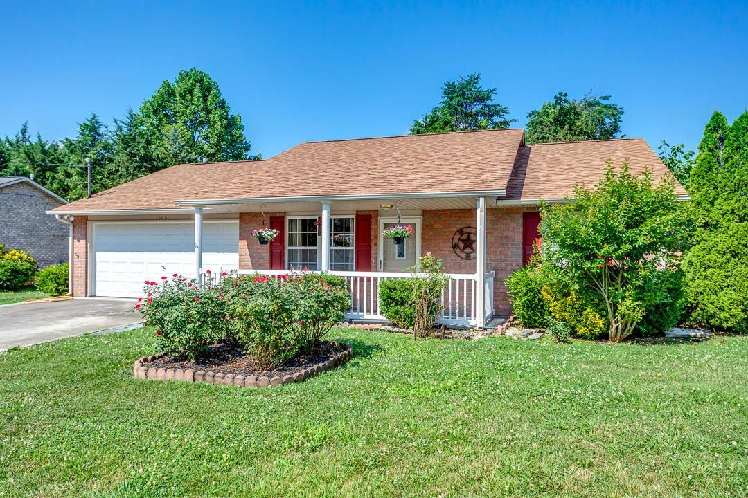 Photo of 7508 Lyle Bend Lane, Knoxville, TN 37918 (MLS # 1122196)