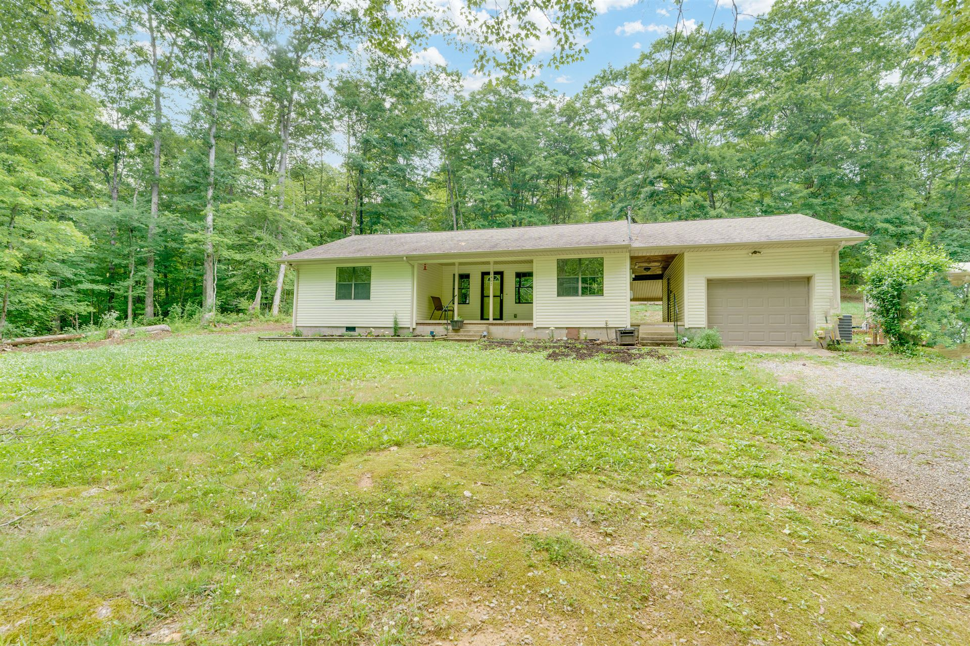 Photo of 1462 Ridgeview Drive, Clinton, TN 37716 (MLS # 1156201)