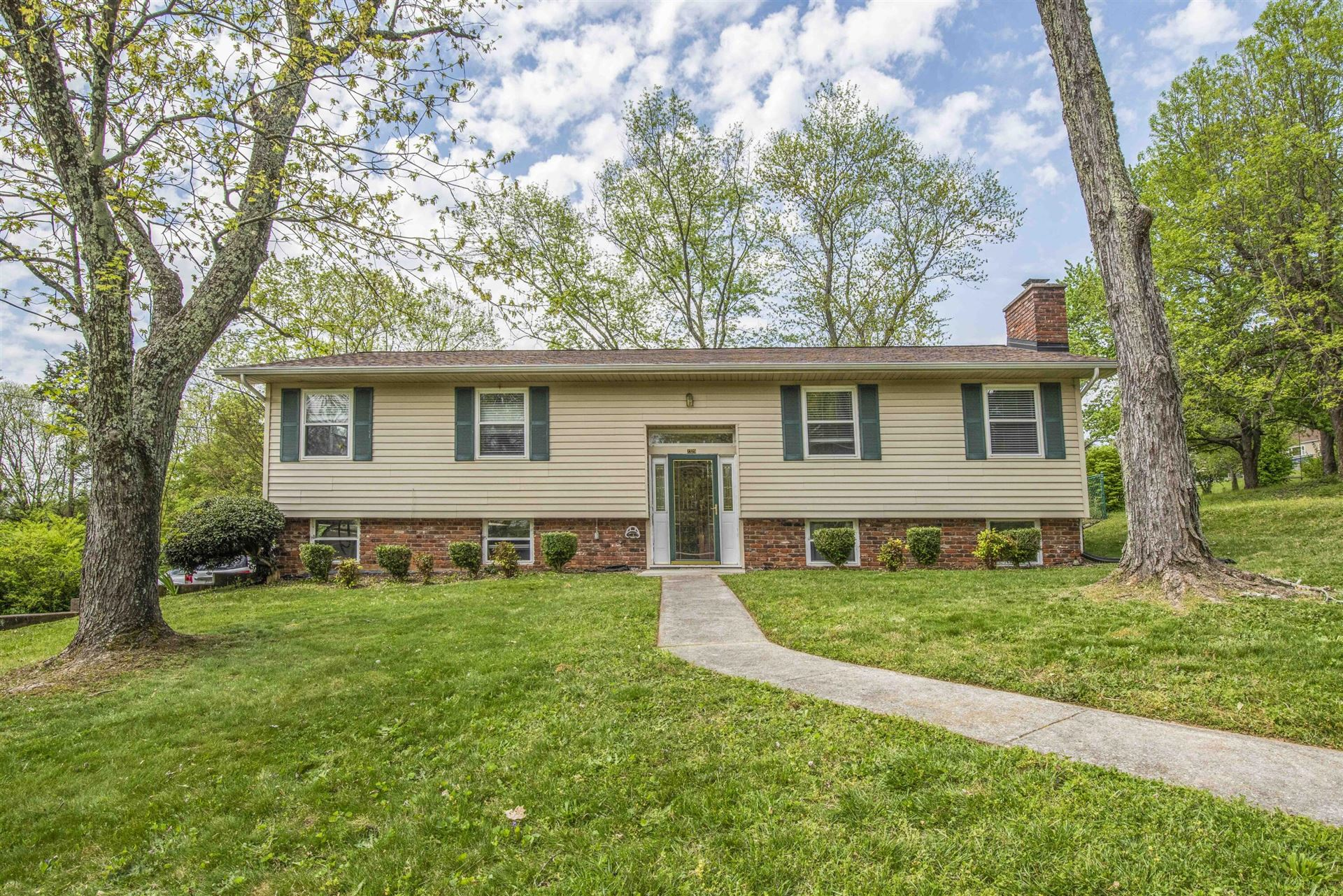 Photo of 2329 Alice Bell Rd, Knoxville, TN 37914 (MLS # 1149202)