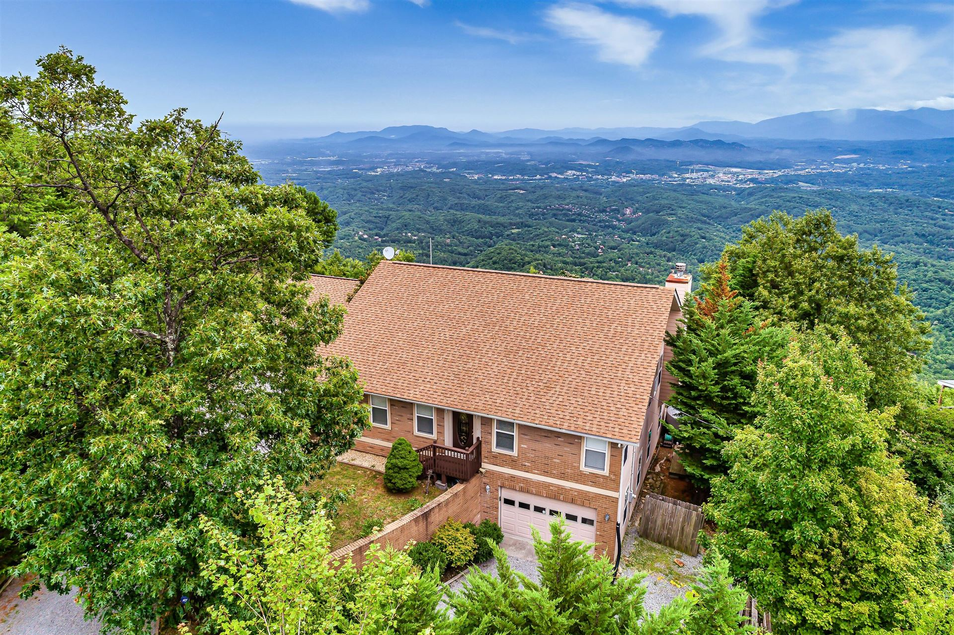 Photo of 2773 E End Rd, Sevierville, TN 37876 (MLS # 1166215)