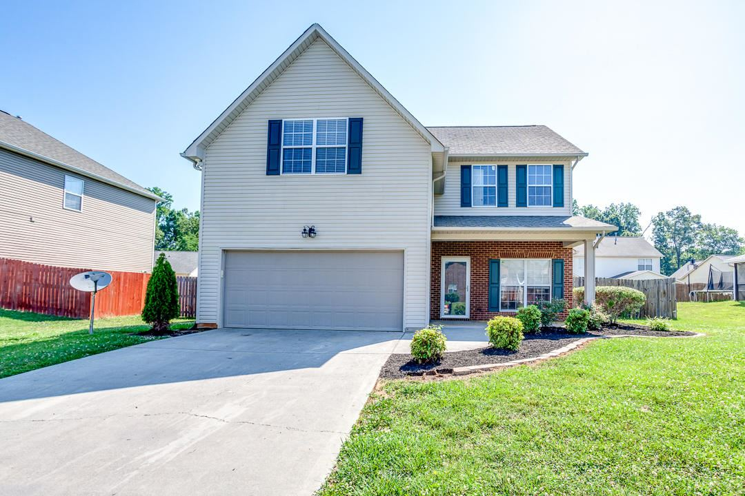 Photo of 824 Carter View Lane, Knoxville, TN 37924 (MLS # 1122225)