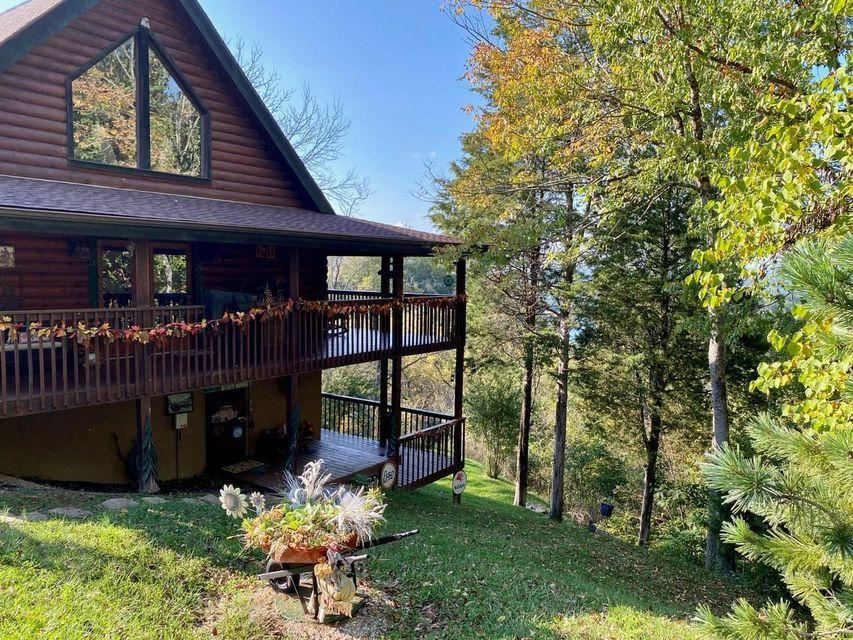 Photo of 2551 Fleming Way, Sevierville, TN 37876 (MLS # 1153228)