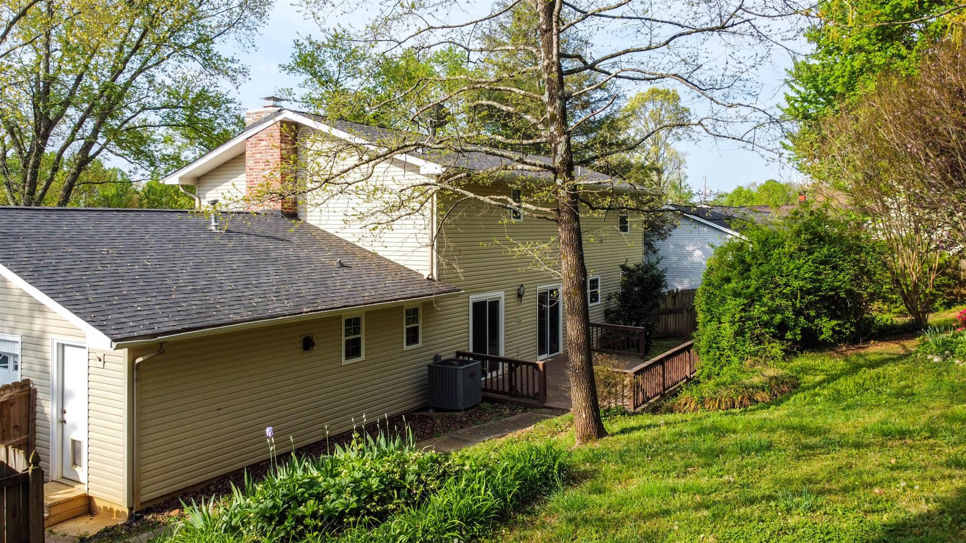 Photo of 1419 Live Oak Circle, Knoxville, TN 37932 (MLS # 1149233)