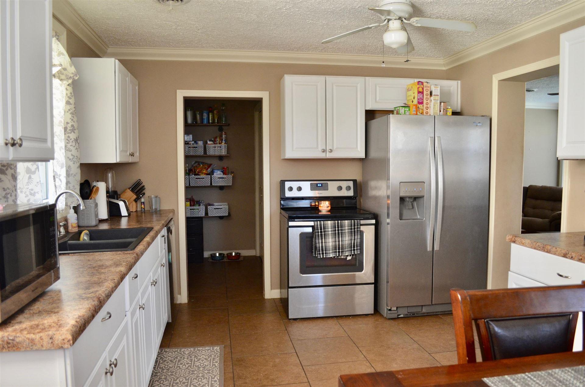 Photo of 157 Northwestern Ave, Oak Ridge, TN 37830 (MLS # 1147253)